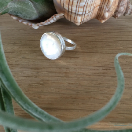 Round Mother of Pearl Ring
