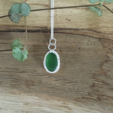Emerald-Green Beaded Seaglass Necklace - Gyllyngvase
