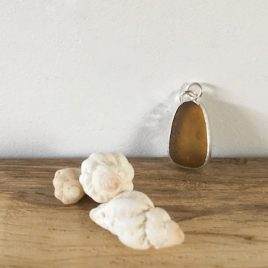 Amber seaglass necklace - Gylly