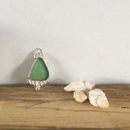 Light Jade Green Boho Necklace - Gyllyngvase